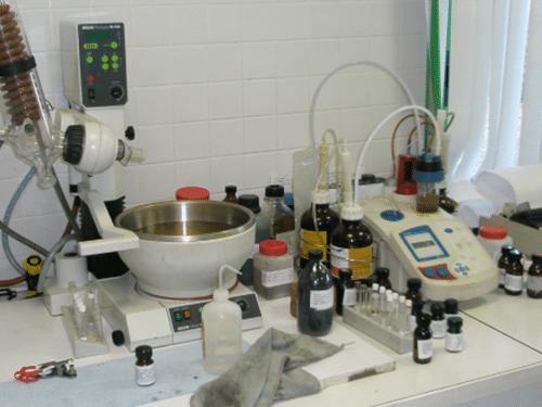 arsilom-Acides--Bases-Produits-de-laboratoire-recyclage-de-dechets
